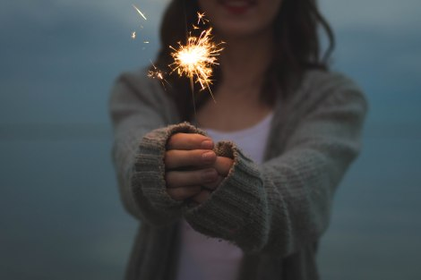 girl_sparkler_unsplash